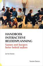 """Kaft van het """"Handboek interactieve beleidsplanning - samen met burgers beter beleid maken"""" (2013)"""